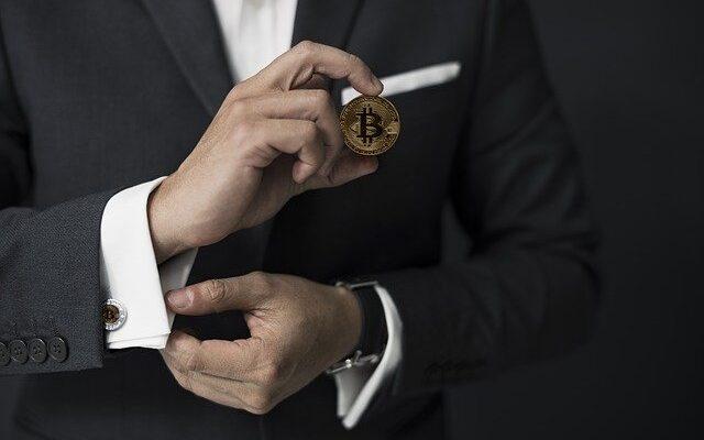 Как регуляторы относятся к криптовалютам